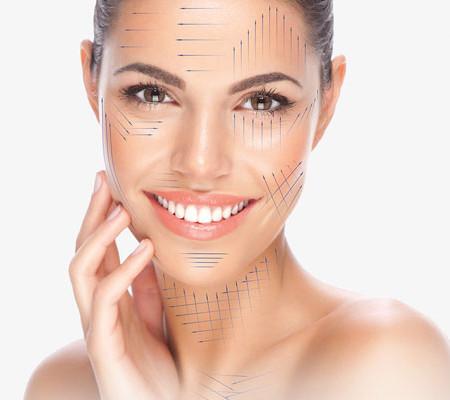 kobieta po zabiegu kolagenem zagęszczanie skóry